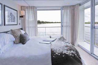 Suite cabin on Zambezi Queen