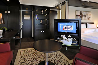 Suite cabin on Avalon Artistry II