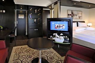 Suite cabin on Avalon Illumination