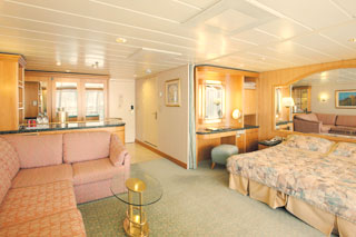 Suite cabin on Vision of the Seas