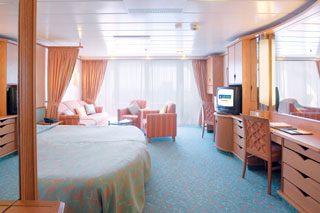 Suite cabin on Voyager of the Seas