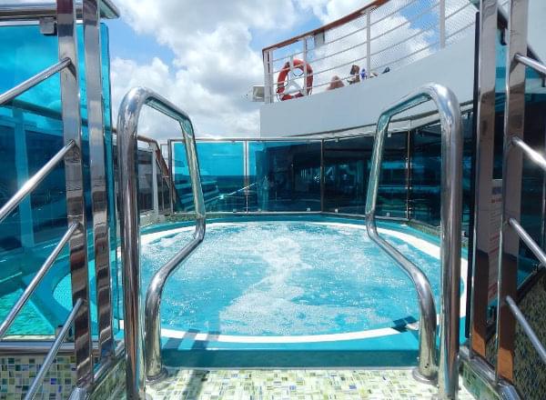 Whirlpool Spa on Carnival Dream