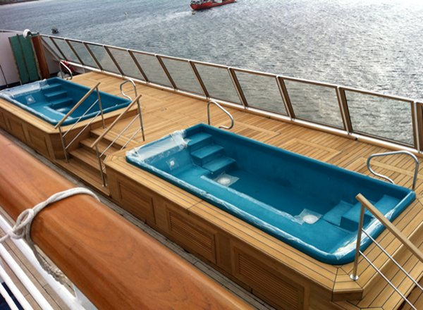 Hot Tubs on Carnival Freedom
