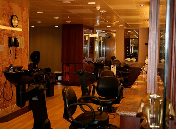 Beauty Salon on Carnival Freedom