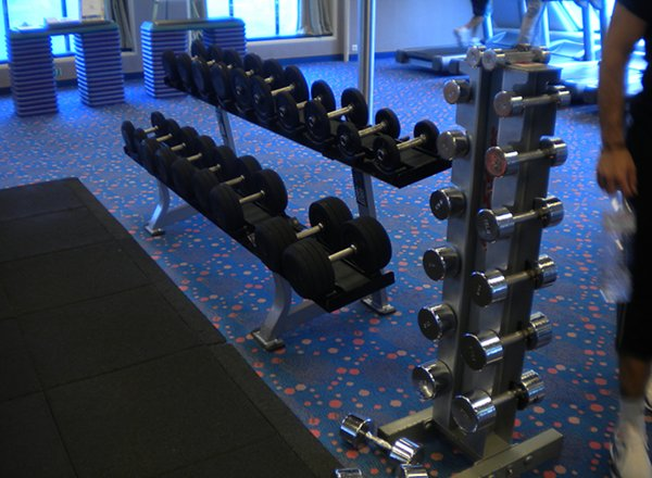 Gymnasium/Fitness Studio on Carnival Legend