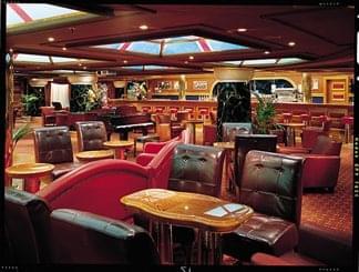 Winston''s Bar on Carnival Valor
