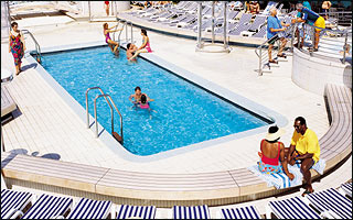 Riviera Pool on Dawn Princess