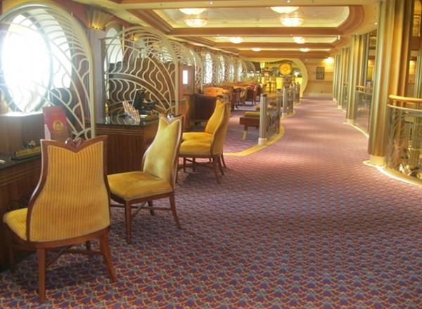 Vista Cafe on Disney Dream