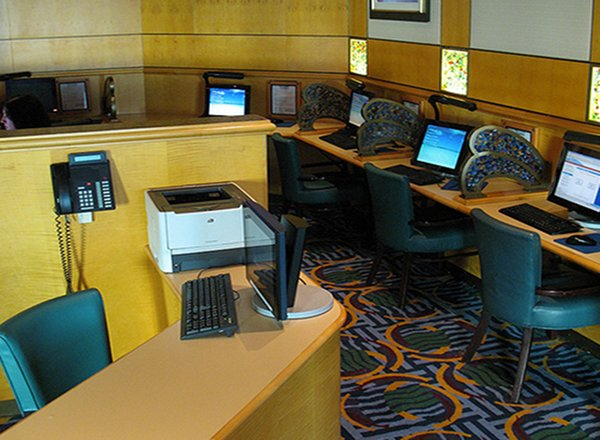 InternetCafe on Disney Magic
