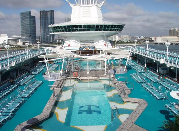 Pool on Empress of the Seas