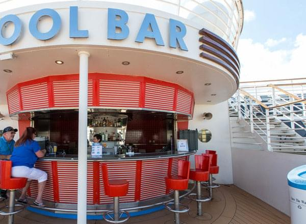 Pool Bar on Empress of the Seas