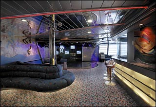 Teen Center on Enchantment of the Seas