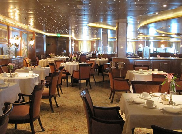 Dining Room on Golden Princess