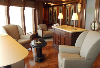 Churchill Lounge on Island Princess