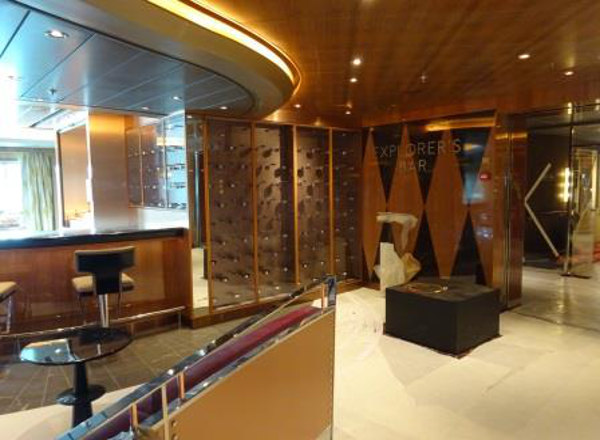 Explorer''s Bar on Koningsdam