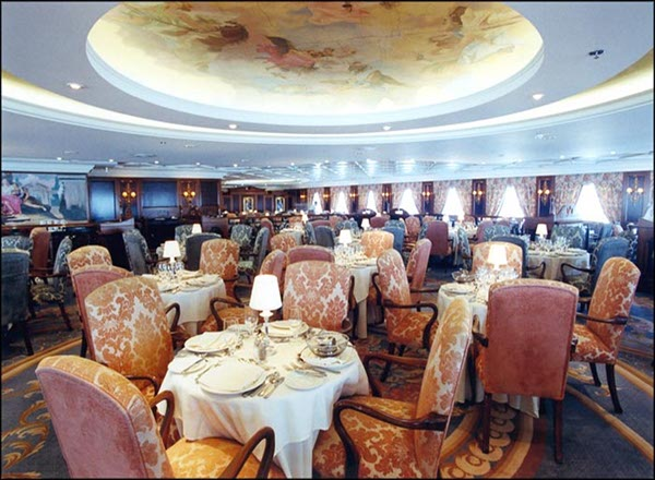 Grand Dining on Nautica