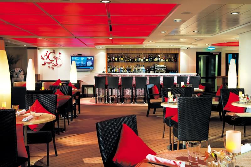 The Epic Club/The Courtyard Grill on Norwegian Epic