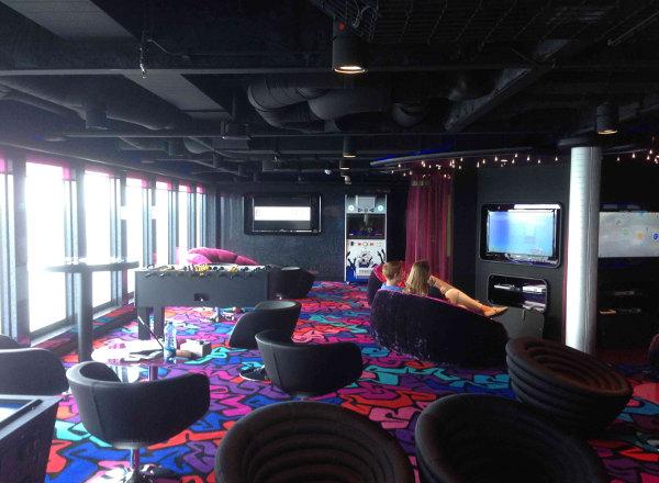 Entourage Teen Lounge on Norwegian Getaway
