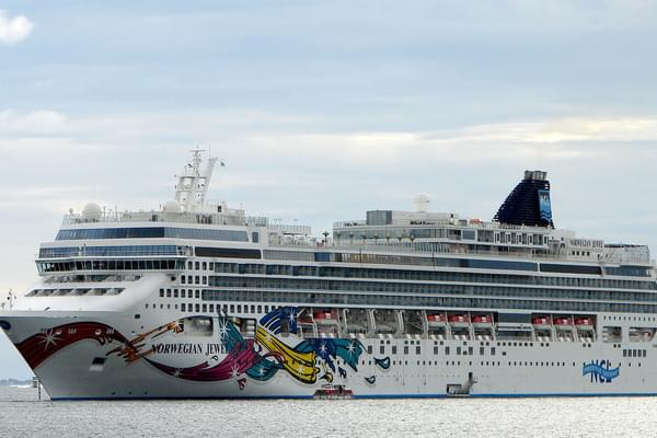 Norwegian Jewel,