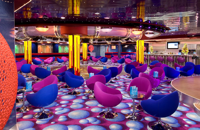FYZZ Cabaret Lounge And Bar on Norwegian Jewel