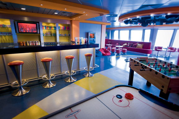 Metro Center/Club Underground on Norwegian Jewel