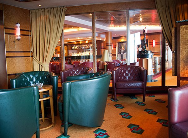 Cigar Lounge on Norwegian Pearl