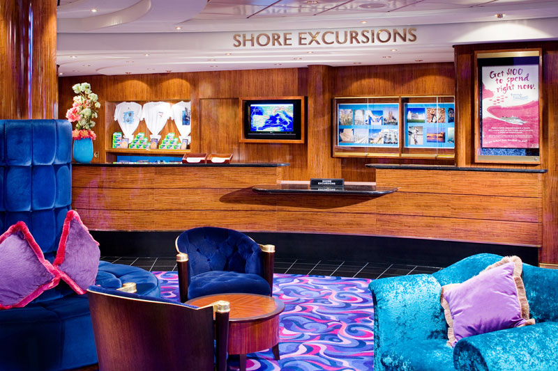 Shore Excursions Desk on Norwegian Pearl