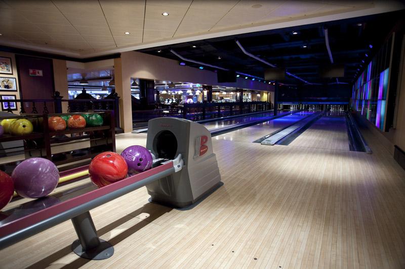 Bowling on Norwegian Pearl