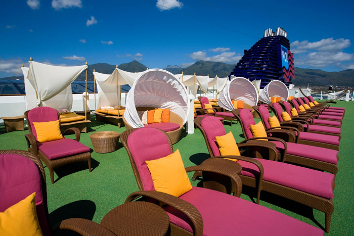 Private Sundeck on Norwegian Pearl