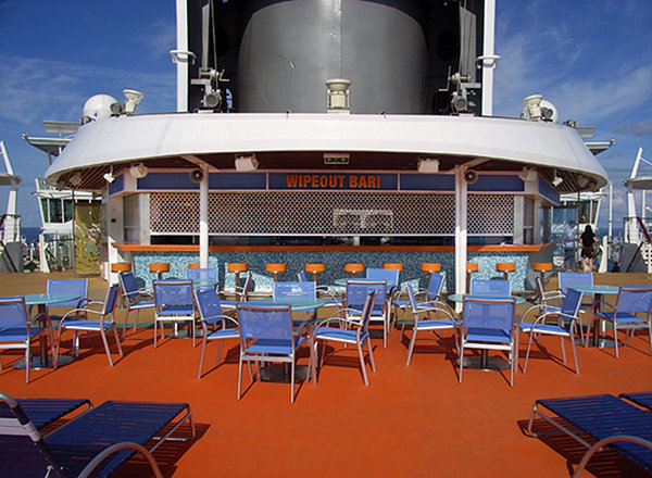 Wipe Out Bar on Oasis of the Seas