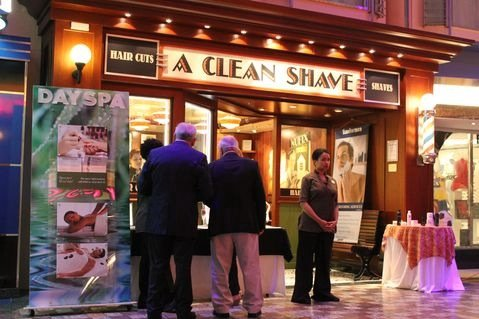 A Close Shave on Oasis of the Seas