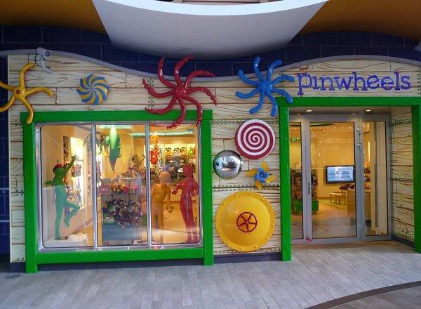Pinwheels on Oasis of the Seas