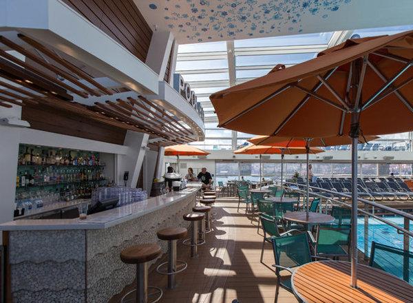 Pool Bar on Ovation of the Seas