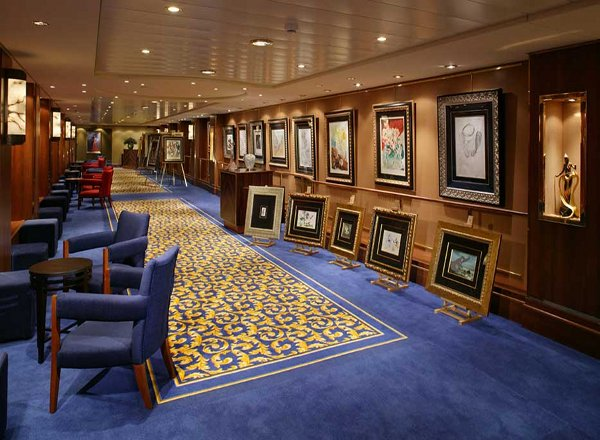 Art Gallery on Queen Mary 2
