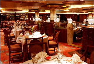 Pacific Moon Dining Room on Sapphire Princess
