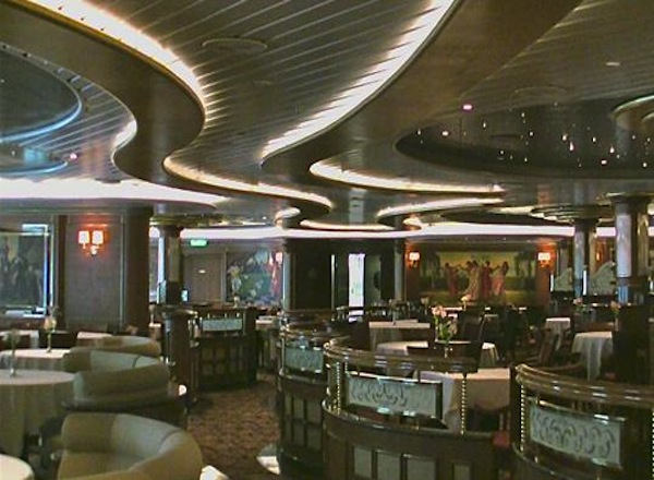Vivaldi Dining Room on Sapphire Princess