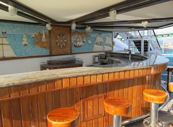 Oasis Bar on Sapphire Princess