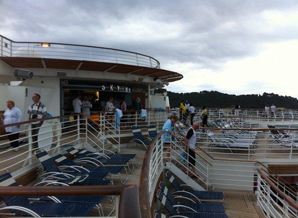Sky Bar on Serenade of the Seas